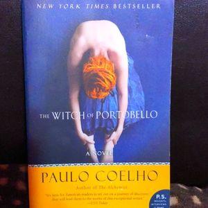 Paperback novel, the witch of portobello EUC 🖤